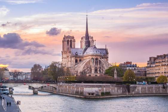 photo of Notre-Dame cathedral from the pont de Tournelle